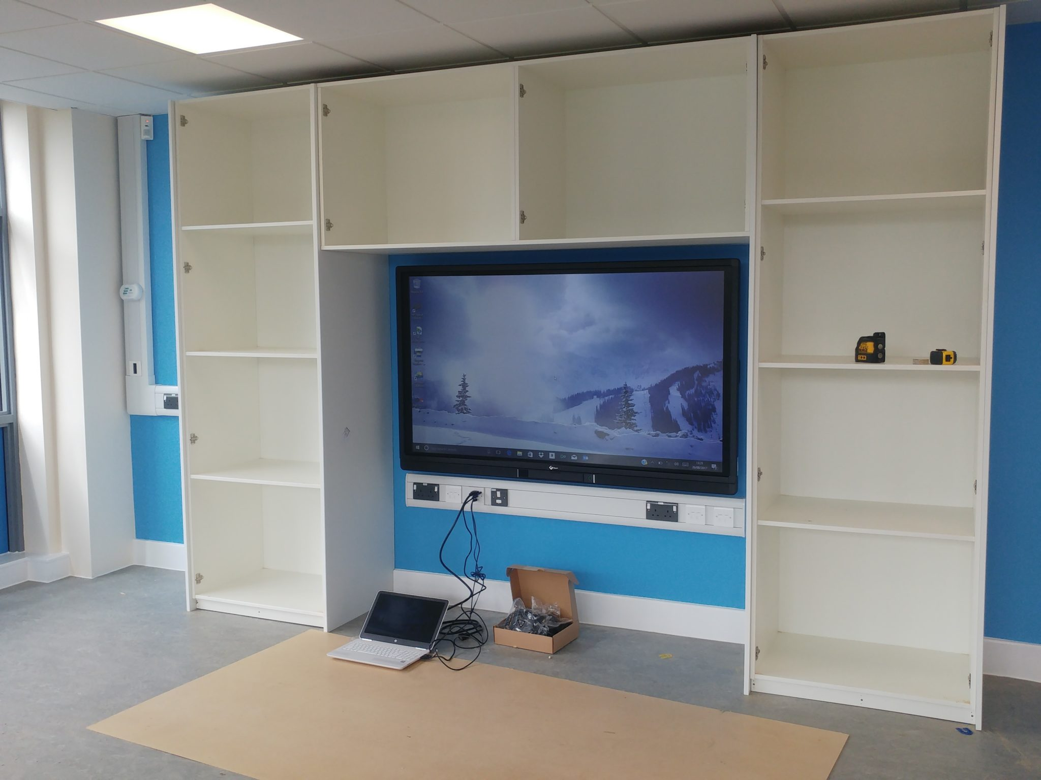 Harlow School Genee Screen Installation